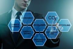 Der Geschäftsmann im Ökologie- und Umweltkonzept stockfoto