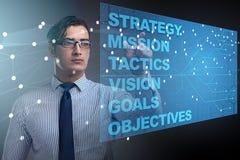 Der Geschäftsmann im Konzept der strategischen Planung Lizenzfreies Stockfoto
