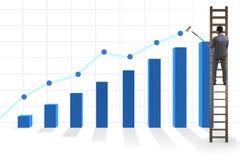 Der Geschäftsmann, der in Richtung zum Wachstum in den Statistiken klettert Lizenzfreie Stockfotos