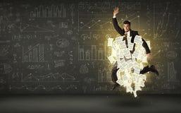 Der Geschäftsmann springend mit Papierdokumentenwolke Stockbild