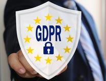 Der Geschäftsmann wählt das GDPR auf dem Touch Screen Allgemeine Daten-Schutz-Regelung Das Konzept der Bestimmung der Leute Lizenzfreie Stockbilder