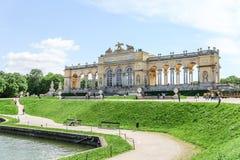 Der Gloriette-Hügel im Schonbrunn-Palastgarten, Wien Lizenzfreies Stockbild