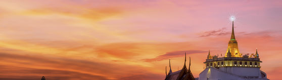 Der goldene Berg bei Wat Saket Stockfotos