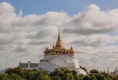 Der goldene Berg bei Wat Saket, Thailand Lizenzfreie Stockfotos