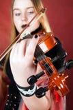 Der gotische Violinist. Lizenzfreies Stockfoto