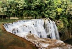Der größte Wasserfall in Taipeh, Taiwan Lizenzfreie Stockfotografie