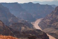 Der Grand Canyon und der Kolorado-Fluss Lizenzfreies Stockfoto