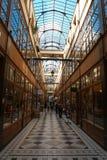 Der großartige Cerf-Durchgang ist eine der größten Laubenstraßen in Paris Stockfotos