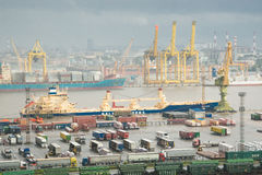 Der große Hafen St Petersburg, Vogelperspektive Lizenzfreie Stockfotografie