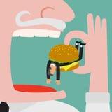 Der Grossunternehmer, der Geschäftsmann isst, das erhalten, schloss durch Burger ein Lizenzfreie Stockfotos