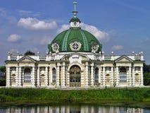 Der Grotten-Pavillon in Kuskovo-Zustand Lizenzfreie Stockbilder