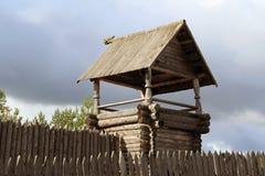 Der hölzerne Turm Stockfotos