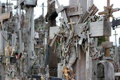 Der Hügel der Kreuze in Litauen stockfotos