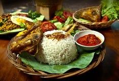 Der Hühnergebratene Reis lizenzfreie stockfotos