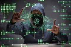 Der Hacker, der Dollar von der Bank stiehlt Stockfotografie