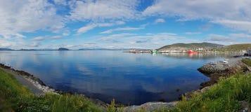 Der Hafen der norwegischen Stadt Hammerfest lizenzfreie stockfotos