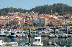 Der Hafen und das alte Dorf - Muros Lizenzfreies Stockbild