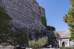 Der Hafen und die neue Festung von Korfu in der Hauptstadt begrüßt Kreuzfahrtschiffe Stockfotos