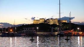 Der Hafen von Antibes und von Festung stock video