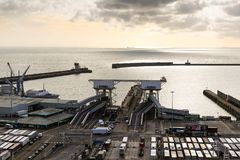 Der Hafen von Dover in Kent United Kingdom stockfotos