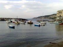 Der Hafen von Massalubrense lizenzfreie stockbilder