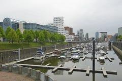 Der Hafen Zollhafen von Dusseldorf in Deutschland Lizenzfreies Stockfoto