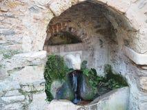 Der Hauptbrunnen des rams - Kesariani-Kloster - Athen Lizenzfreie Stockfotos