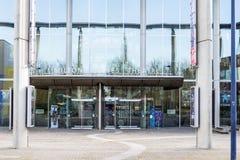 Der Haupteingang von Milton Keynes Theatre Lizenzfreies Stockfoto