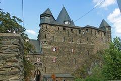 Der Haupttor des Schlosses Stahleck Lizenzfreies Stockfoto