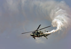 Der helle Compbat-Hubschrauber Stockbilder