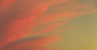 Der Himmel bei Sonnenuntergang Lizenzfreies Stockbild