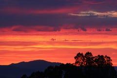 Der Himmel brennt! stockbilder