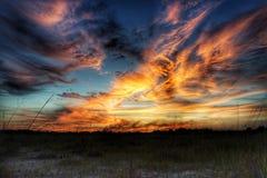 Der Himmel ist auf Feuer Stockfotos
