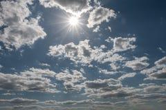 Der Himmel und die Wolken Stockbild