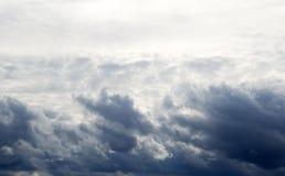 Der Himmel vor dem Sturm Lizenzfreie Stockbilder