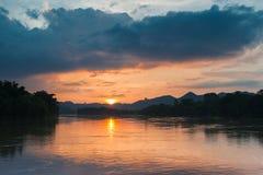 Der Himmelsonnenuntergang Stockbilder