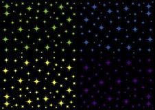 der Hintergrund des nächtlichen Himmels mit bunten Sternen Lizenzfreie Stockbilder