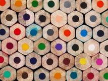 Der Hintergrund gebildet durch die Bleistiftkolbenenden Stockfoto