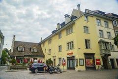 Der historische alte Abstieg und die Straße von Schaffhausen Stockfotos