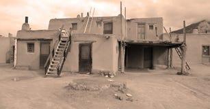 Der historische Taos-Pueblo Stockfotografie