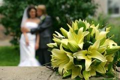Der Hochzeitsblumenstrauß der Lilien Stockfotos