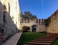 Der Hof in der Festung von Brescia stockfotografie