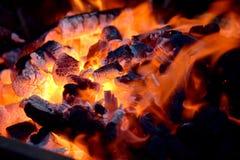 Der Holzkohle Burning Stockfotos