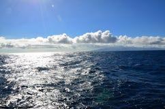 Der Horizont unter den Wolken Stockbild