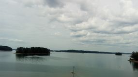 Der Horizont von diesem imponierenden See stockfoto