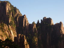 Der Huangshan in der Einstellungssonne Stockfoto