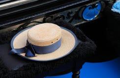 Der Hut eines Gondolieren Stockfotografie