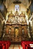 Der Innenraum der alten Kirche Stockfotos