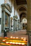 Der Innenraum der Basilika von Santa Croce in Florenz Stockfotos