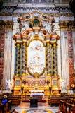 Der Innenraum der Kirche von St Ignatius von Loyola ist von den Kunstwerken voll Stockfotografie